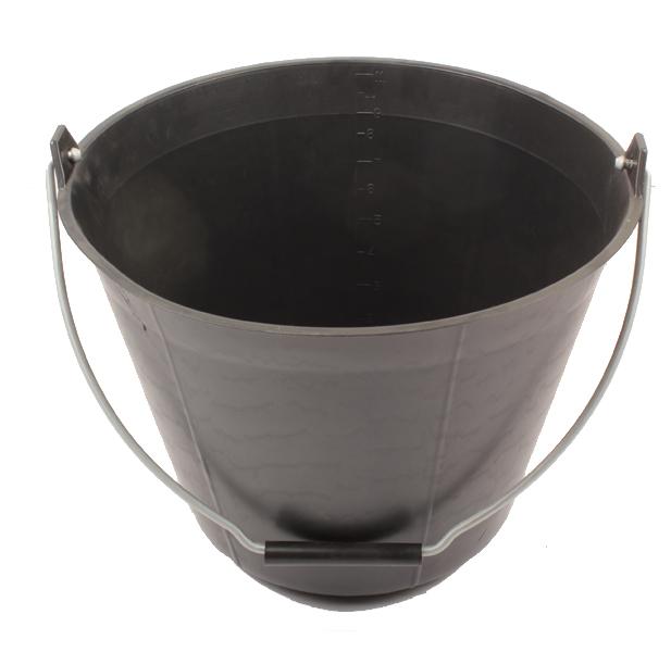 Seau plastique noir, 11 litres, avec poignée à l'anse, idéal pour tous les travaux de la ferme